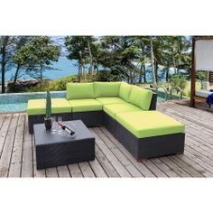Loving the bright green cushions to add some summer flavor to any backyard patio.    #patio #homedecor
