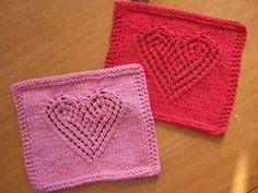 Heart Lace Cloth  #free #knit #knitting #pattern #heart #freeknittingpattern