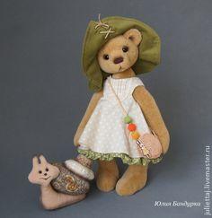 Teddy Bears handmade.  Mia with a snail named Zuzya.  Yulia Bandurka.  Shop Online Fair Masters.  Teddy bear