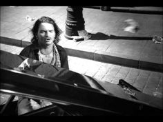 Ricardo Arjona - Acompáñame a Estar Solo (Video Oficial) Andy Williams, Dean Martin, Music Express, Music Is My Escape, Mejor Gif, 6 Music, My Favorite Music, No One Loves Me, Music Artists