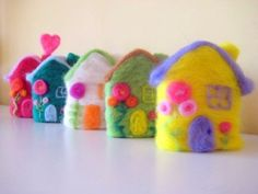 eternal spring house felt by thedryingrack on Etsy Felt Diy, Felt Crafts, Diy Crafts, Sewing Projects, Projects To Try, Felt Projects, Felt House, Idee Diy, Spring Home
