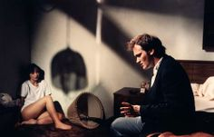 Quentin Tarantino talking to Maria de Medeiros during the filming of Pulp Fiction(1994)
