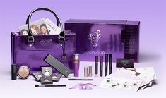 The Younique Presenter Kit is a bundled assortment of our most current and popular products to help you start your own business as a Younique Presenter. Christmas Presents For Women, Join Younique, Makeup Younique, Mascara, Younique Presenter, Love Your Skin, Starting Your Own Business, Free Makeup, Be Your Own Boss