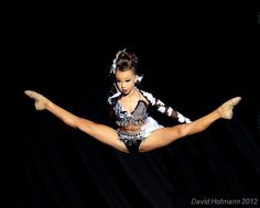 Sophia Lucia, 9 year old dance senstion... WOW life is not fair...;)