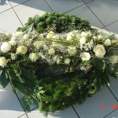 Blumenkrug Weyhers - Trauerfloristik Grave Decorations, Funeral Flowers, Fall Flowers, Garden Projects, Floral Arrangements, Christmas Wreaths, Floral Wreath, Holiday Decor, Plants