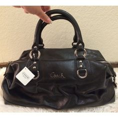 *NWT* Coach handbag Brand new & authentic! Never been used, Inside and outside is in perfect condition. Beautiful deep purple interior✨Open to offers :) no trades please! Coach Bags Satchels