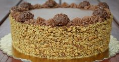 Már nagyon sokan kértetek tőlem Ferrero Rocher tortát, és annyira megkívántam, hogy most elkészítettem a saját verziómat:) H... Hungarian Desserts, Hungarian Recipes, Sweets Recipes, Cookie Recipes, Waffle Cake, Torte Cake, Ferrero Rocher, Sweets Cake, Sweet And Salty