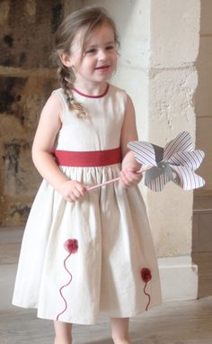 """Robe de cérémonie et mariage """"Constance"""" . Enfant d'honneur.  http://www.odecreation-vetements.com/"""