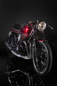 Honda CB550 by Lossa Engineering - Honda Cafe Racer