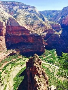 Top of Angels Landing Zion National Park Utah [1920x1080] Hafkaman http://ift.tt/2pzD7ce May 14 2017 at 05:43PMon reddit.com/r/ EarthPorn