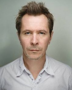 Gaz ♡ Gary Oldman [Gary Leonard Oldman] (born 21 March is an English screen and stage actor, filmmaker and musician Hot Actors, Actors & Actresses, Garry Oldman, Actor Gary Oldman, Male Face Drawing, Tim Roth, Ralph Fiennes, Charming Man, Hollywood Icons
