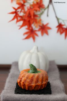TASTE around: Pumpkin Tea Cakes #Pumpkin #Teacake #fall #herbst #kürbiskuchen #Kürbis #backen