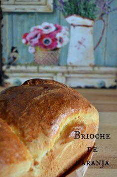 Empezando el lunes con energía, que no se diga! Por eso, os dejo el desayuno para esta semana. Como dicen, las penas con pan son menos, ¿no? Y si además, es una receta facilita y rápida… ¡qué más se puede pedir!  Últimamente me estoy aficionando a las masas (panes, bollería…) Cada vez me gusta… Bread Bowls, Pan Bread, Baguette Bread, Baking, Breakfast, Sweet, Recipes, Food, Breads