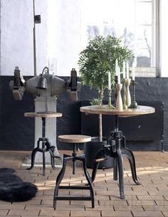 Industrialny stolik kawowy Farrier 1
