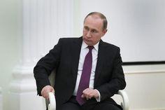 """Il presidente russo Vladimir Putin ha annunciato l'inizio del ritiro delle forze russe dalla Siria affermando che gli """"obiettivi sono stati raggiunti"""". Lo riportano i media internazionali. (ANSA)"""