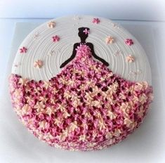 56 Trendy birthday cake decorating ideas kuchen You are in the right place about Birthday Cake Here we offer you the most beautiful pictures about the cute Birthday Cake you are l Cake Decorating Techniques, Cake Decorating Tips, Cookie Decorating, Fondant Cakes, Cupcake Cakes, Sweets Cake, Shoe Cakes, Birthday Cake Decorating, Cake Birthday