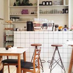 Thé breakfast hotspot! Cafe Restaurant, Coffee Shop, Tiles, Bar, Instagram Posts, Kitchen, Restaurants, Shops, Spaces