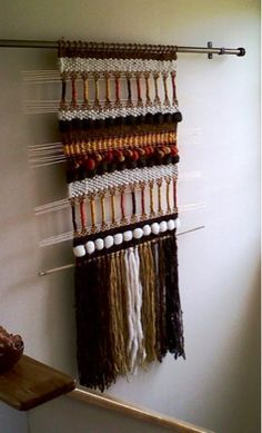 Telaresytapices .... Maria Elena Sotomayor Weaving Yarn, Tapestry Weaving, Basket Weaving, Wall Tapestry, Textile Design, Textile Art, Woven Wall Hanging, Embroidery Art, Fiber Art