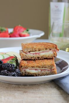 Apple Prosciutto and Gruyere Grilled Cheese #SundaySupper