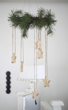This would be adorable with the home made cinnamon ornaments!
