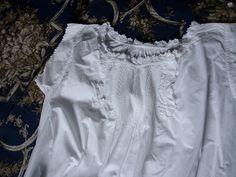 Chemise ancienne Fil petits plis à l'ongle et Broderie Fait main