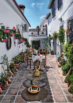 Courtyard, Málaga, Andalucía, España