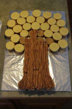 12 Owl Cake Pops Sittin' in a Tree - La Hoot Bakery - Akron, Ohio Monkey Cupcake Cake, Cupcake Tree, Pull Apart Cupcake Cake, Pull Apart Cake, Cupcake Cakes, Fruit Cakes, Cupcake Ideas, Ladybug Cakes, Owl Cakes