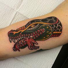 Croc head on Ben. Traditional Tattoo Man, Traditional Tattoo Old School, Tattoos For Guys, Cool Tattoos, Tatoos, Alligator Tattoo, Crocodile Tattoo, Desenhos Old School, Left Arm Tattoos