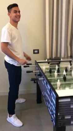 James Rodriguez, Juventus Fc, My Crush, Gorgeous Men, Pretty Boys, Sexy Men, Soccer, Ronaldo, Athletes