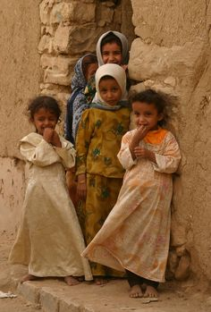 https://flic.kr/p/zuYFf   yemen   Children in a street of Sa'ada (Northern Yemen).