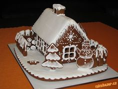 perníková chaloupka - Hledat Googlem Christmas Gingerbread House, Christmas Minis, Christmas Time, Gingerbread Houses, Royal Icing, Cookie Decorating, Sweets, Cookies, Desserts