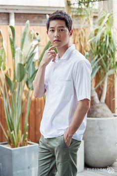 Song Joong-ki, a soldier again? Kdrama Actors, Tv Actors, Actors & Actresses, Korean Actresses, Korean Actors, Korean Idols, Asian Actors, Song Joong Ki Birthday, Soon Joong Ki