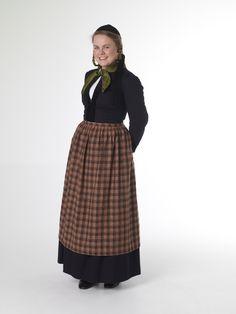 FolkCostume: Þjóðbúningurinn, National costumes of Iceland, part 3, Peysuföt