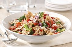 Explore tasty pasta salad recipes from Kraft Recipes! Enjoy a wide selection of new pasta salad recipes that make perfect side dishes at BBQs and more. Kraft Recipes, Kraft Foods, Pasta Farfalle, Shrimp Pasta, Chicken Pasta, Whole Wheat Noodles, Cooking Recipes, Healthy Recipes, Skinny Recipes