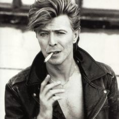 Ten Awesome David Bowie Pics | From Playgrounds To Politics