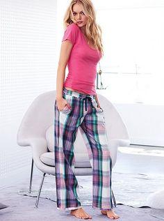 Pijamas de Victoria's Secret, si les gusta la ropa que ya les hemos presentado de Victoria's Secret, consistente en coquetos y muy favo...