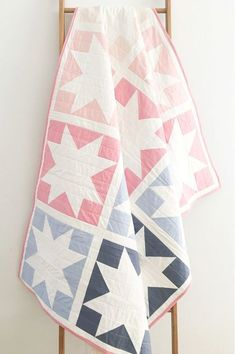 Quilt - Inside Out Star Inside Out Star: An easy, perfect for beginners quilt pattern. Spring quilt by Inside Out Star: An easy, perfect for beginners quilt pattern. Spring quilt by Beginner Quilt Patterns, Star Quilt Patterns, Modern Quilt Patterns, Quilting For Beginners, Star Quilts, Easy Quilts, Quilt Blocks, Embroidery Patterns, Beginner Quilting