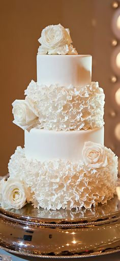 Wedding ● Cake + a line of pearl dragées along the top of each layer would be a pretty accent