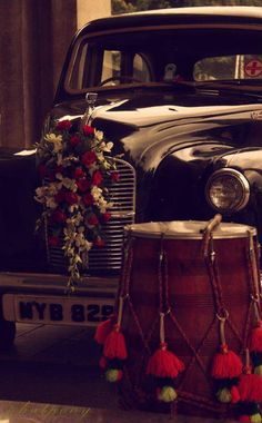 Vintage car for your classy wedding
