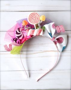 Items similar to Hot Pink Candy Party - Candyland Inspired with Cupcakes Gumdrop and Lollipops BIRTHDAY Mini Top Hat Headband (or fascinator) on Etsy - Having a Candyland themed party or photo shoot them this little hat is a must have! This gorgeous t - Cute Candy, Best Candy, Candy Costumes, Diy Costumes, Candyland, Costume Bonbon, Anniversaire Candy Land, Fabric Hair Bows, Satin Fabric