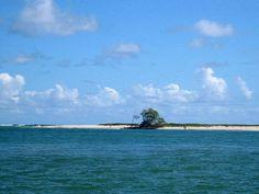 Encontro da Lagoa de Mundaú com o mar, Maceió, Alagoas.