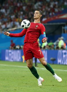 Cristiano Ronaldo Cr7, Cristano Ronaldo, Football Players Photos, Soccer Players, Fifa, Portugal National Football Team, Ronaldo Wallpapers, Football Love, Juventus Fc