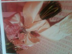 Bride's bouquet ribbon inspiration