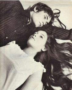Zeffirelli Romeo And Juliet, Leonard Whiting, Olivia Hussey, Romantic Photography, Becoming An Actress, English Actresses, Couple Portraits, Actor Model, Old Movies