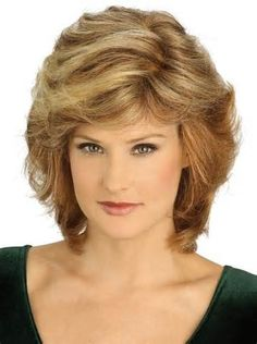 20 Hottest Short Hairstyles for Older Women