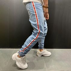 Jogger Jeans w/ Side Stripes Streetwear Jeans, Streetwear Fashion, Mens Fashion Blog, Men's Fashion, Fashion Forms, Vintage Hipster, Men With Street Style, Men Style Tips, Joggers