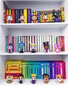 Disney Villains Funko POP Figurines on a Color Coordinated Display Shelf / Case Funko Pop Dolls, Funko Pop Figures, Vinyl Figures, Figurine Disney, Pop Figurine, Funk Pop, Disney Pop, Funko Pop Display, Disney Rooms