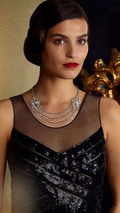 Discover the Paris Russe de CHANEL collection; High Jewelry pieces inspired by the Russian influences of Gabrielle Chanel : The Frienships, the Maison, the Muses and the Lovers. Chanel News, Coco Chanel, Ballet Russe, Parisian Chic Style, Glamour, Chanel Jewelry, Haute Couture Fashion, High Jewelry, Jewelry Collection