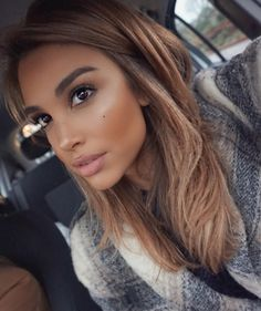 Thank you love the liquid highlighter in 'light me up' sets and doesn't move with such iridescence contour palette in light/medium Balayage Hair, Ombre Hair, Honey Hair, Hair Color And Cut, Light Brown Hair, Brunette Hair, Gorgeous Hair, Pretty Hairstyles, Hair Trends