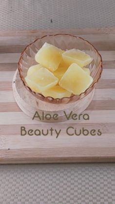 In this video,we will show you how to make simple 2 ingredient beauty cubes that aid in acne-fighting, skin brightening and the overall health and appearance of the skin. Key ingredients used in these recipes are Aloe vera, turmeric, rice water, milk and calendula. beauty cubes diy, diy skin care, diy face serum, turmeric for skin, calendula for skin, aloe benefits for skin, aloe vera facial treatment, acne skin treatment, sensitive skin, clear skin, eczema, overnight skin treatment, anti-ageing Beauty Tips For Face, Beauty Tricks, Diy Beauty, Homemade Skin Care, Diy Skin Care, Skin Care Tips, Organic Skin Care, Natural Skin Care, Aloe Benefits